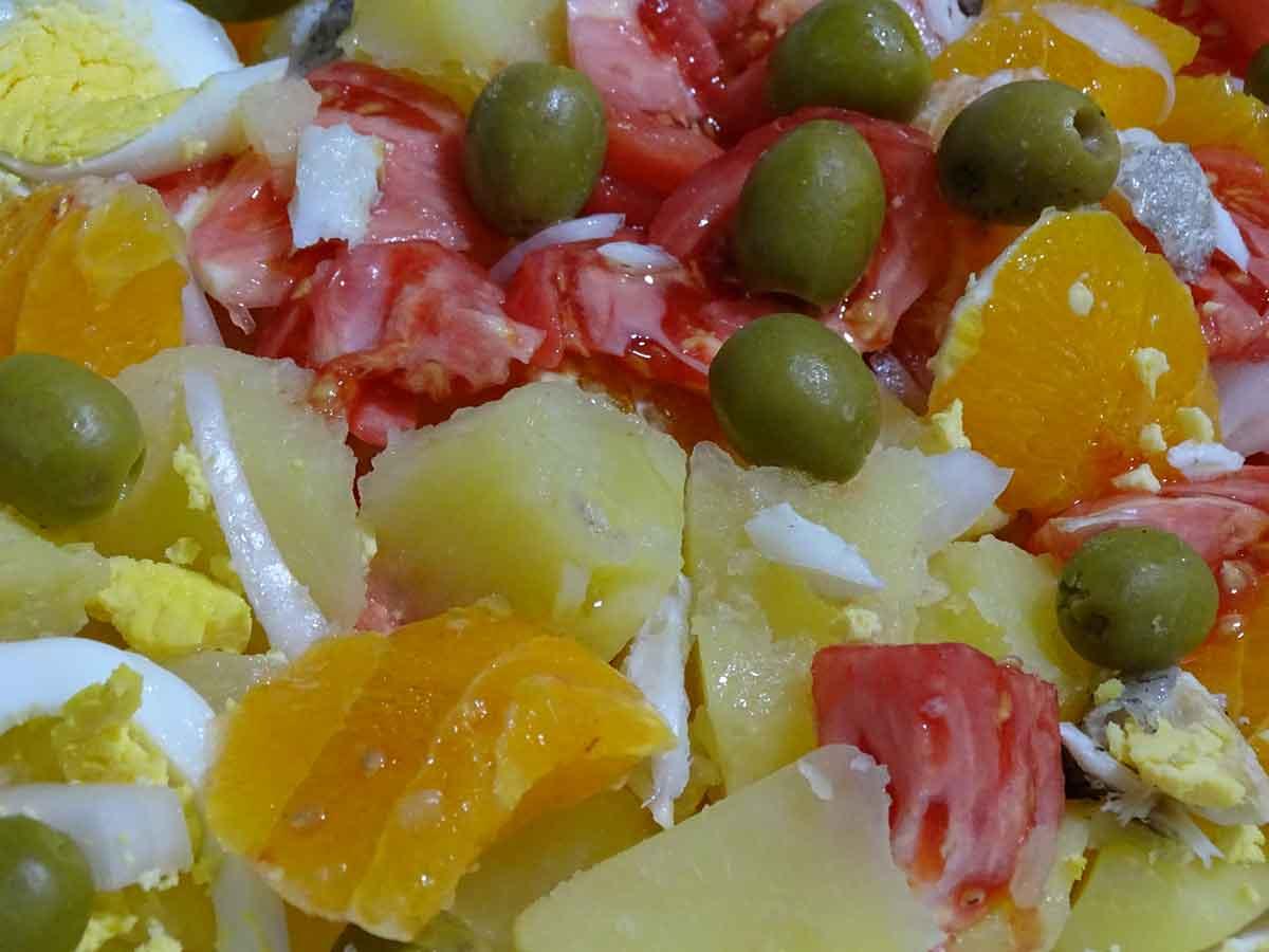 Receta de ensaladilla arriera, gastronomía de Málaga